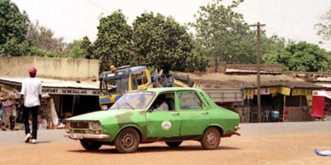 Bobo-Dioulasso: Une dame mortellement touchée par une balle dans un taxi